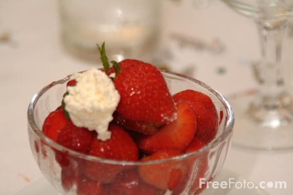 09_23_25-strawberries-and-cream_web.jpg